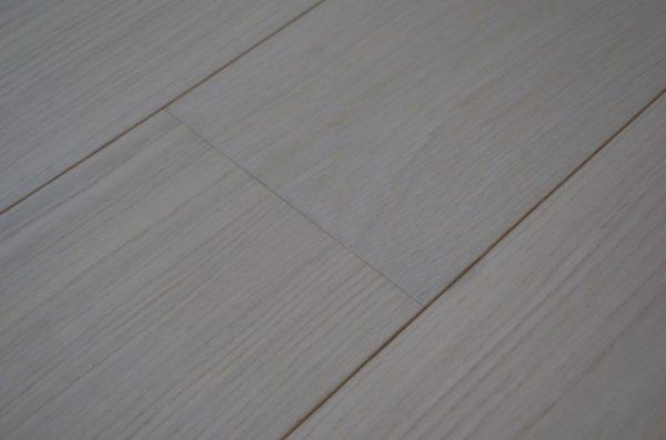 FloorsAndMore - Classic White Engineered Oak