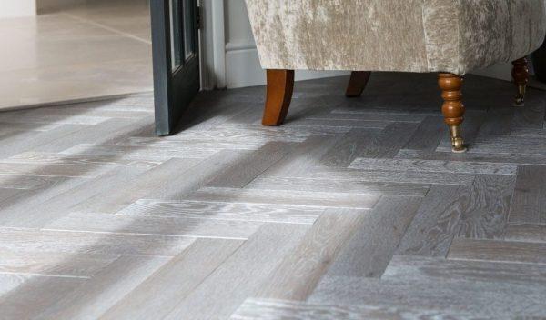 FloorsAndMore - Silver Pearl 103